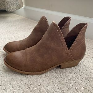 Womens booties by Universal Thread - soft & comfy